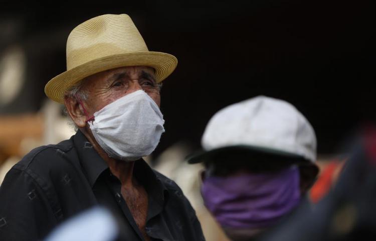 Mayores de 70 años colombianos ganan una demanda y pueden salir a ejercitarse