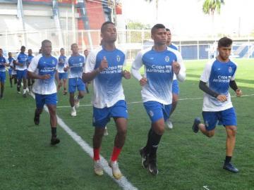Sporting pagará salarios por seis meses