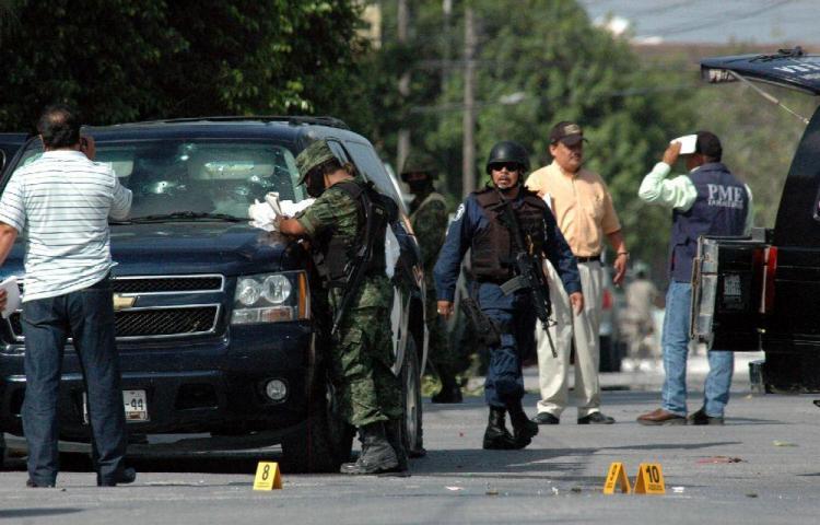 Muere una docena de sicarios en balacera contra los militares