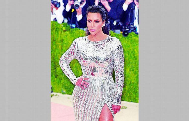 Kim lanza nueva línea de mascarillas