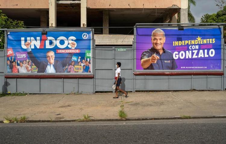 Abren los colegios para las presidenciales y legislativas de la R.Dominicana