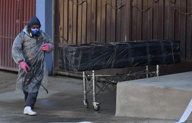 La preocupación en Bolivia por el COVID-19 crece con más muertos en la calle