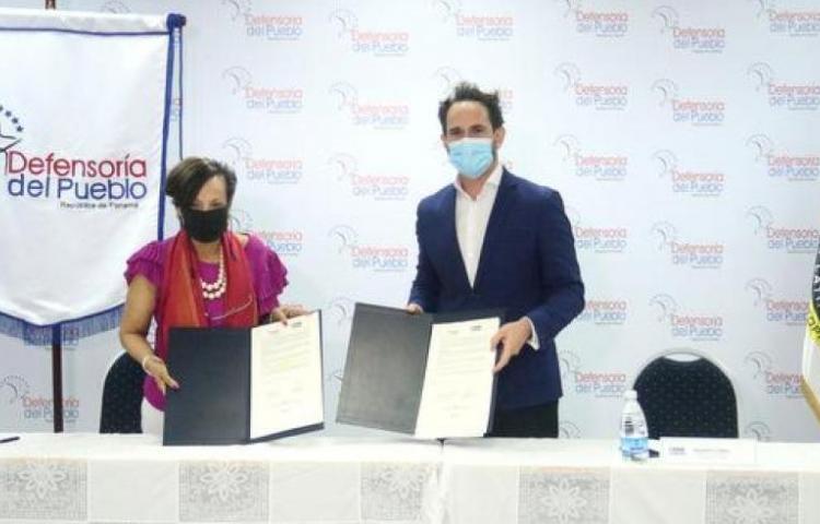 Defensoría del Pueblo y Crime Stoppers firman acuerdo de protección de DDHH