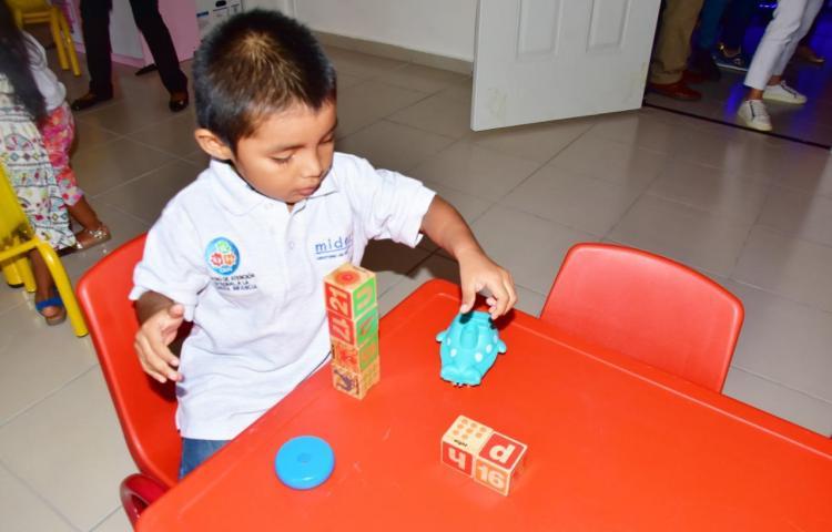 La exposición sin supervisión a pantallas digitales afecta el desarrollo de los niños