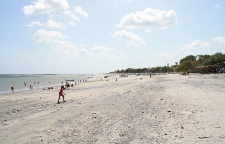 Policía retiene a más de 30 personas pasándola de lo lindo en playas panameñas