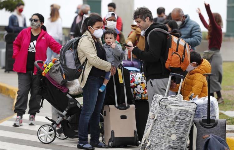 Perú rumbo a nueva normalidad con protocolos para viajes terrestres y aéreos