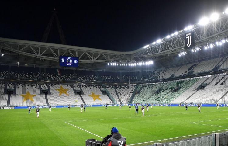 Italia no permitirá público en los estadios