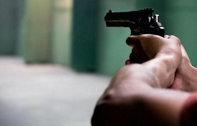 'Cuerean' a policía en El Chorrillo