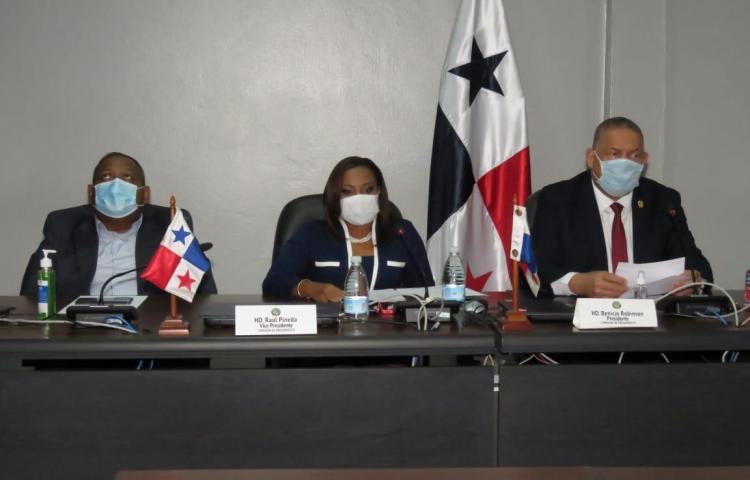 Benicio Robinson se reelige en la Comisión de Presupuesto de la Asamblea Nacional