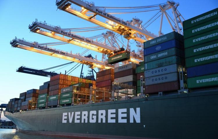 Ingresos del Canal y movimiento de contenedores en alza