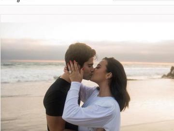 Demi Lovato y el actor Max Ehrich anuncian su compromiso