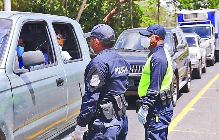 Mil 774 policías han resultado positivos
