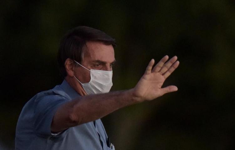 Bolsonaro da negativo de COVID-19 casi tres semanas después de ser contagiado