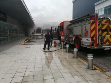 Se registró incendio en Plaza El Fuerte, Villa Zaita