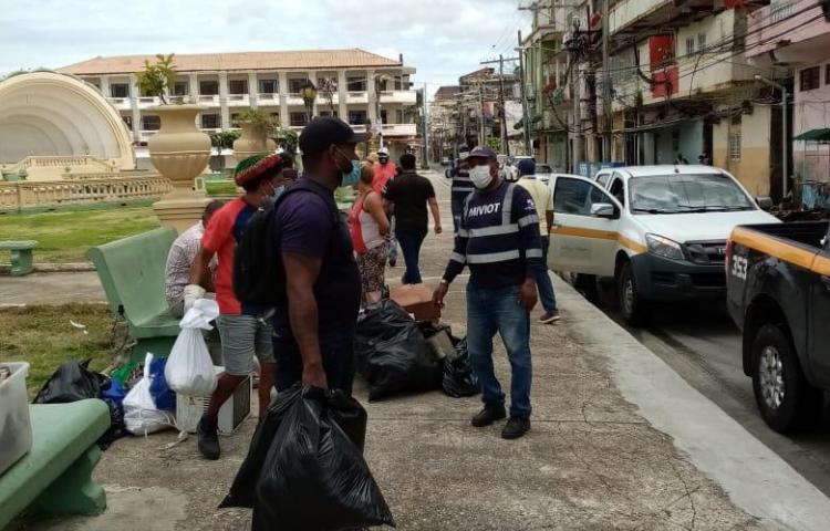 Quedaron sin casa tras incendio en Colón