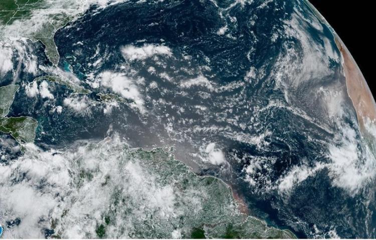 Hanna, el primer huracán de la temporada atlántica, toca tierra en Texas