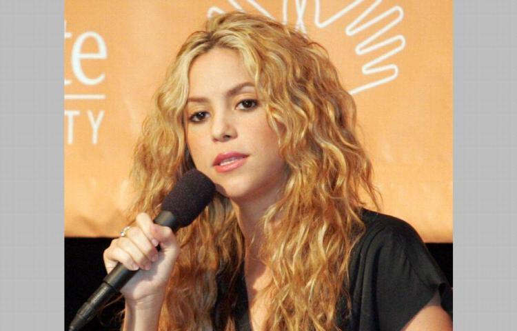 Shakira denunció a dos raperos alemanes