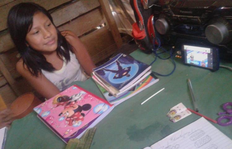 'Personas inescrupulosas venden los cuadernillos del Meduca', denuncia docente