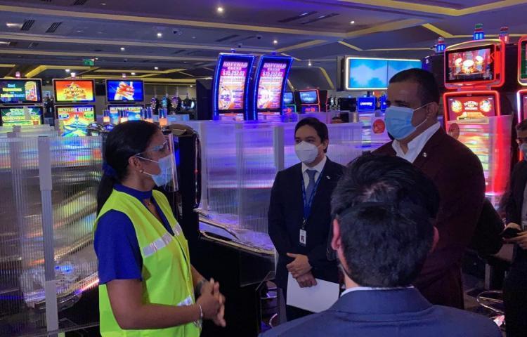 Autoridades verifican el cumplimento de protocolos de bioseguridad en los casinos