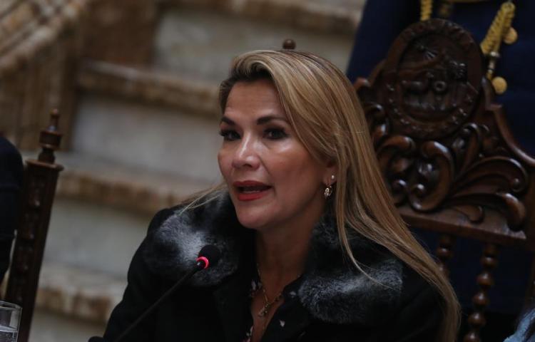 Áñez retoma sus funciones en el Gobierno de Bolivia tras vencer la COVID-19