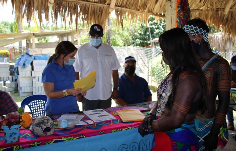 Meduca realiza recorrido por la comarca Emberá Wounan