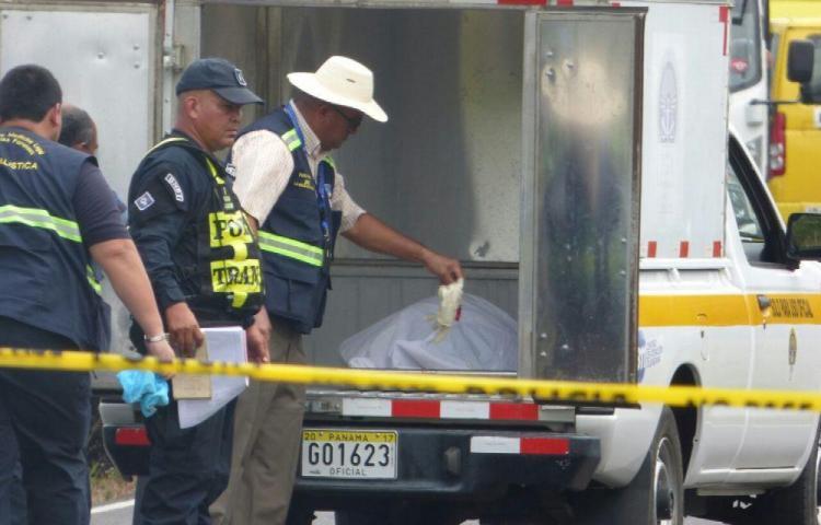 Hallan muerto a cubano en su apartamento en Santa Ana