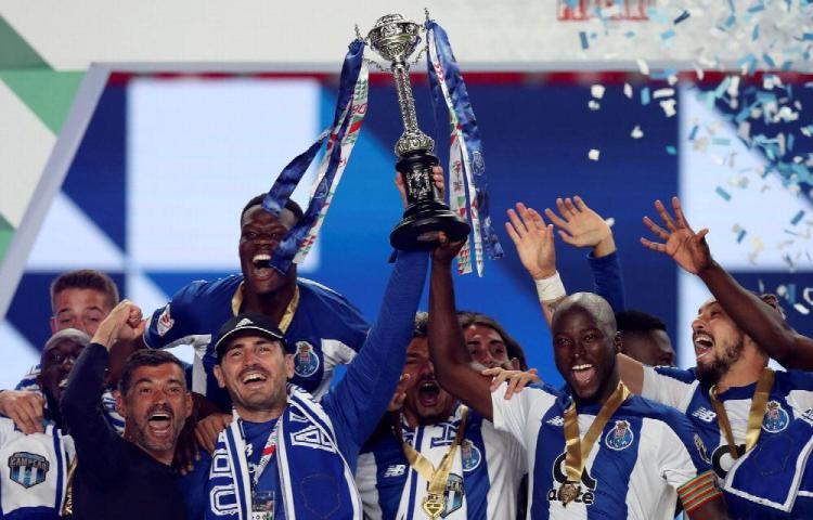 El Oporto se alza como campeón de Portugal