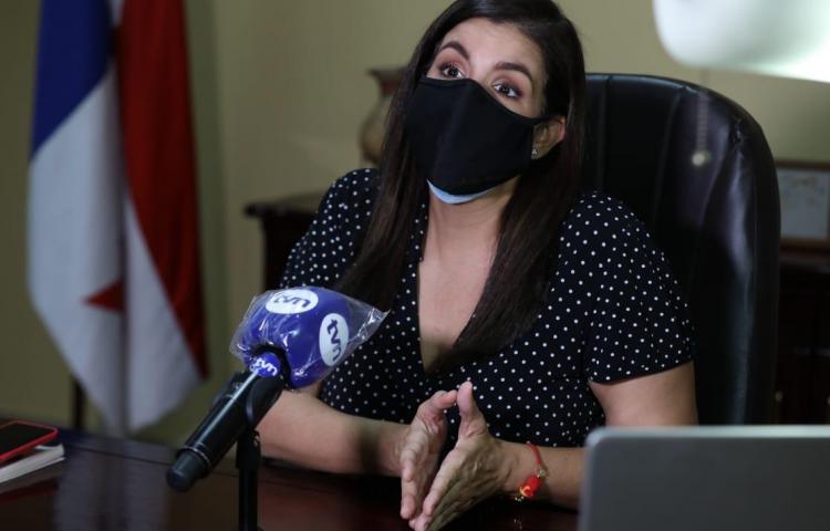 Gobernación abre investigación por 'chapuzón' del alcalde Fábrega en playa de Coronado