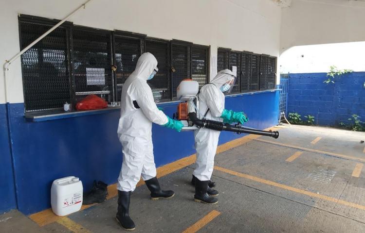 Desinfectan sede de Meduca en Veraguas