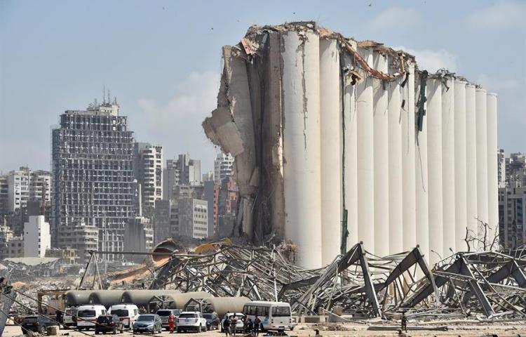 Al menos 60 personas continúan desaparecidas tras la explosión puerto Beirut