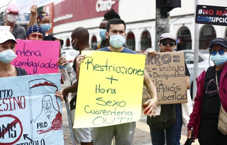 Fotos: Protesta pacífica en la Vía España