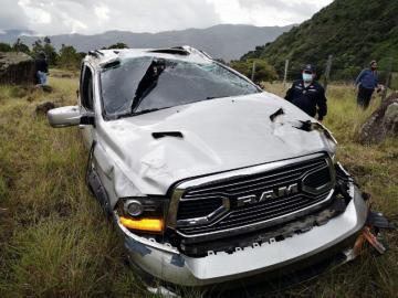 Un muerto y 5 heridos en la calle que conduce a la cima del Volcán