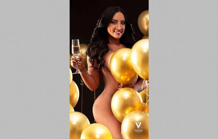 Zuany Tatiana celebró sus 33 al desnudo