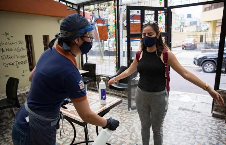 Ecuador recibe sello de seguridad sanitaria como destino turístico