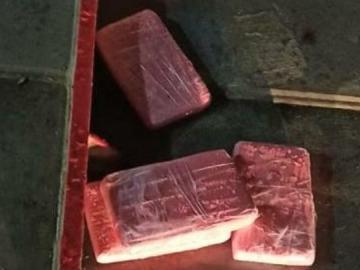 Decomisan droga que iba a bordo de un buque
