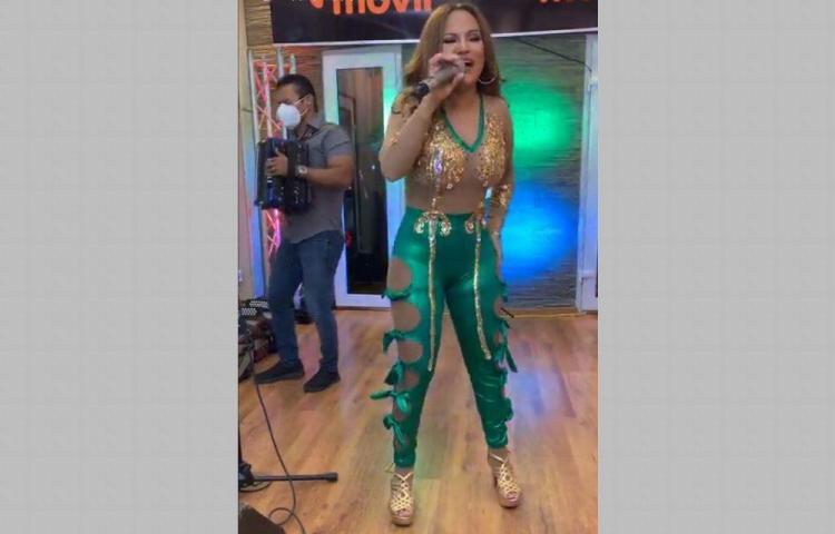 Critican vestido de Sandra Sandoval