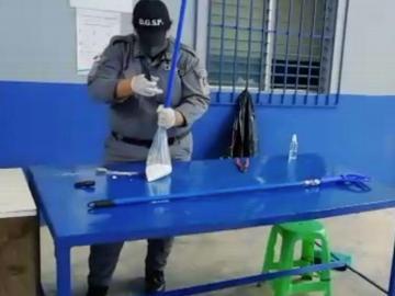 Intentaron meter drogas a la cárcel dentro de una escoba y un trapeador