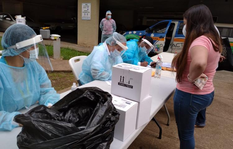 Cerca de 570 mil trabajadores de la salud se han infectado por la covid-19 en las Américas