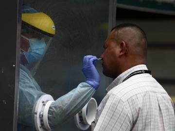 Panamá supera las 2 mil muertes por Covid-19 y 25 mil casos activos