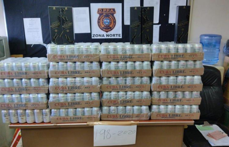 Retienen a ciudadanos con 47 cajas de licor y cerveza