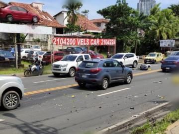 Fallece motorizado tras chocar de frente con un camión