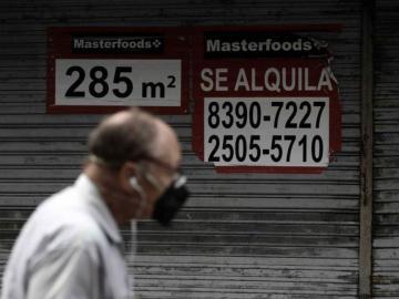 La economía de Costa Rica sigue en declive y esperando informe de apertura