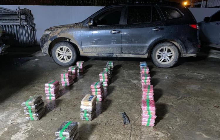 Encuentran droga en un vehículo enLas Garzas de Pacora