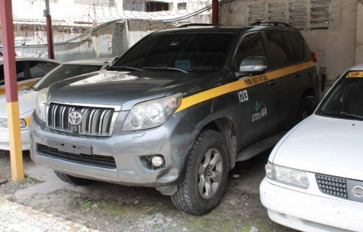 Investigan 5 casos de mal uso de carros del Estado