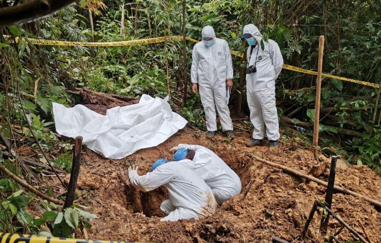 En la fosa clandestina encontraron restos de una sola persona