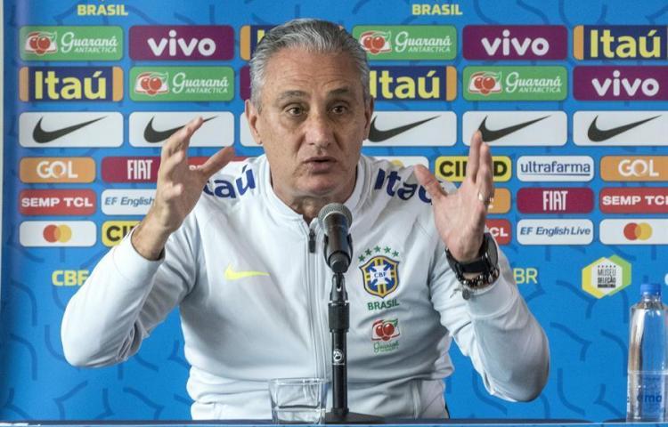 Tite dice que la pandemia lo obligó a cambiar criterios para convocar Brasil