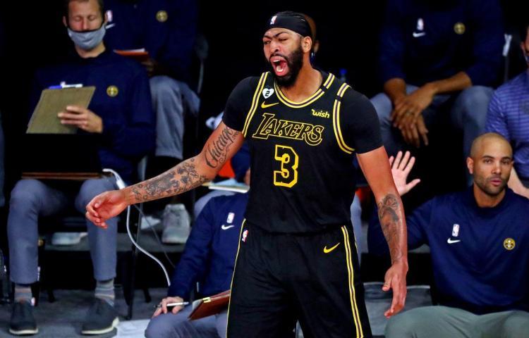 Davis, con triple milagroso, pone a Lakers 2-0 ante Nuggets