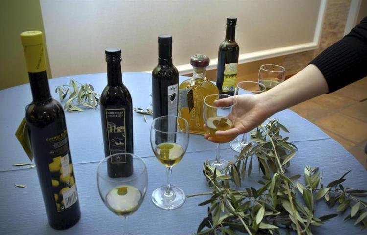 El aceite de oliva virgen enriquecido previene el colesterol, según estudio