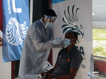 Clubes asisten al primer día de pruebas COVID-19 en la LPF