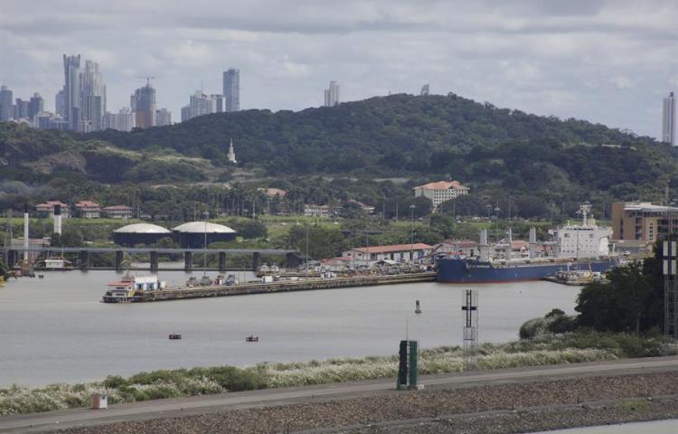 El Canal de Panamá ofrece su calado máximo por primera vez en 20 meses